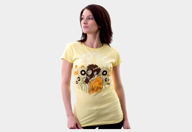 The legendary smell of the flowers... T-Shirt - Design By Humans