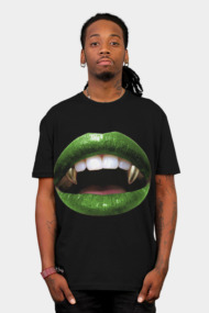 Green lips gold fangs